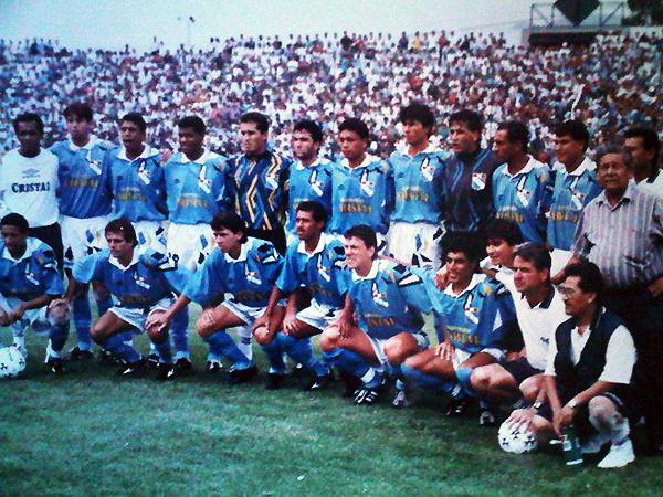 Leao Butrón estuvo con Sporting Cristal en 1995, con lo que sus títulos individuales llegarían a ocho, cifra que solo alcanzó Héctor Chumpitaz. (Foto: Facebook)