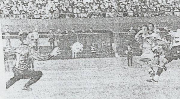 A su conocida capacidad para desequilibrar, Julinho le agregó ese año una importante cuota de gol que lo llevó a ser el goleador de la temporada (Recorte: diario El Bocón)