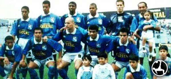 Leao Butrón es una de las figuras de Alianza Lima, pero su debut fue en 1997 con Cristal. (Foto: Facebook)