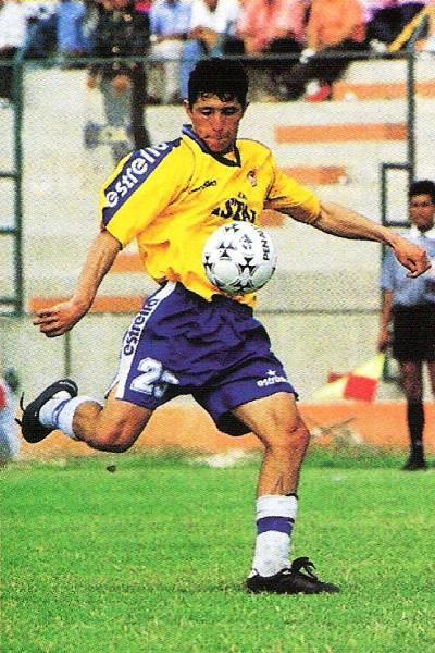 En 1998, Godoy se convirtió en una de las cartas más letales de Minas con su buen disparo con derecha y su versatilidad para ser volante o delantero. (Foto: revista Don Balón Perú)