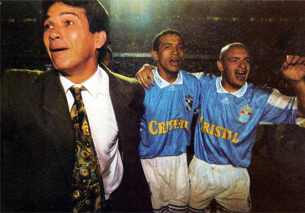 Asumió sobre la marcha el timón rimense, pero Franco Navarro logró enderezar el rumbo de su equipo para terminar ganando el Clausura 1998 (Recorte: revista Don Balón Perú)