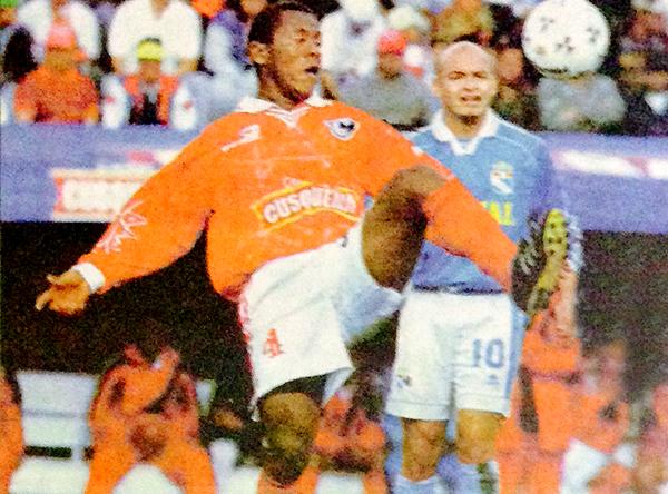 Cienciano - Cristal por el Clausura 1999. (Recorte: diario Líbero)