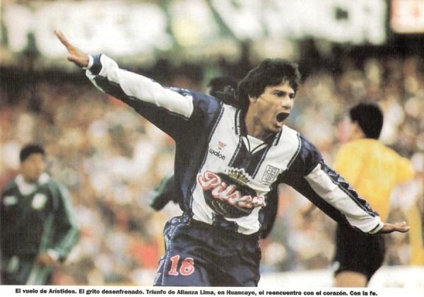 A pesar de haber anotado algunos goles, se esperaba más de Aristides Rojas y su paso por Alianza. El clamoroso gol que se falló ante Cristal lo sepultó. (Foto: revista El Gráfico Perú)