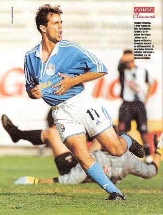 Noviembre de 2000: En gran tarde personal, Julinho marcó los dos tantos con que Cristal venció a Alianza en Matute por última vez hasta este domingo, también con Juan Carlos Oblitas en el banco celeste. (Recorte: Once, Nº 168 p. 4)
