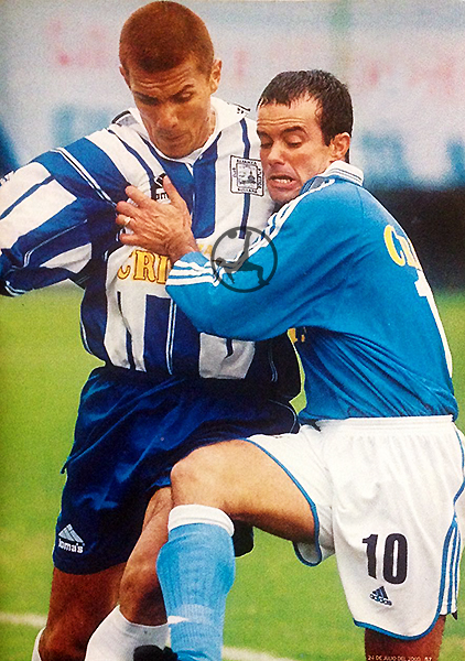 Palhinha hizo su debut con Sporting Cristal en el Clausura 2000. Su rival: Alianza Atlético. (Recorte: revista El Gráfico Perú)