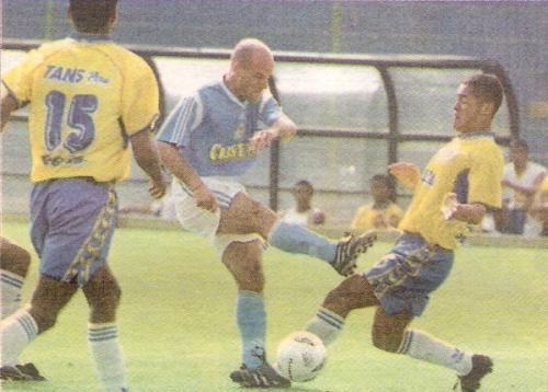 Desde que en 2001 Unión Minas bajó en la última fecha tras perder ante Cristal, no se había llegado a la última jornada sin descensos consumados. (Recorte: diario El Comercio, suplemento Deporte Total)
