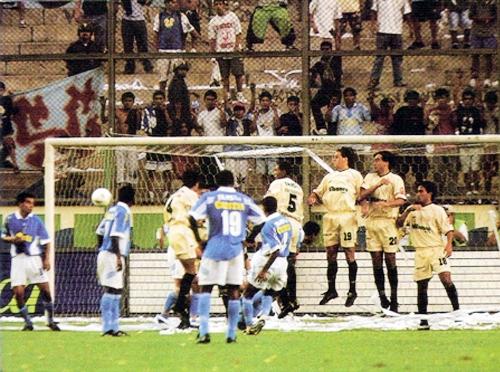 Este partido quedó marcado como símbolo de aquella campaña para Cristal (Recorte: revista El Gráfico Perú)