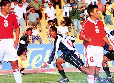 Recorte: revista El Gráfico Perú