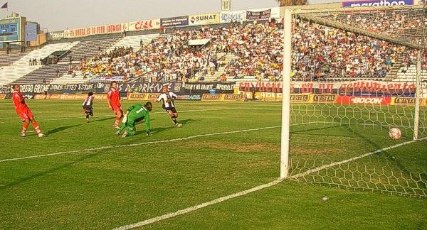 Gol triunfal: el primer tanto de Manco en la Primera División (Foto: Gian Saldarriaga / DeChalaca.com)
