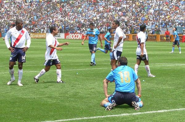 Luego del título de 2005, Cristal perdió protagonismo. En 2007 tocó fondo por elegir mal a la hora de contratar y estuvo cerca de irse al descenso (Foto: Gian Saldarriaga / DeChalaca.com)