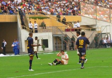 Fano ingresó en la segunda parte y complicó a la zaga arequipeña (Foto: Diego Rodríguez / DeChalaca.com)