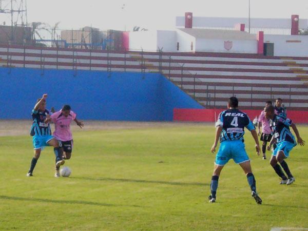 Carlos Flores supera la marca del argentino Martín Bonjour (Foto: Abelardo Delgado / DeChalaca.com)