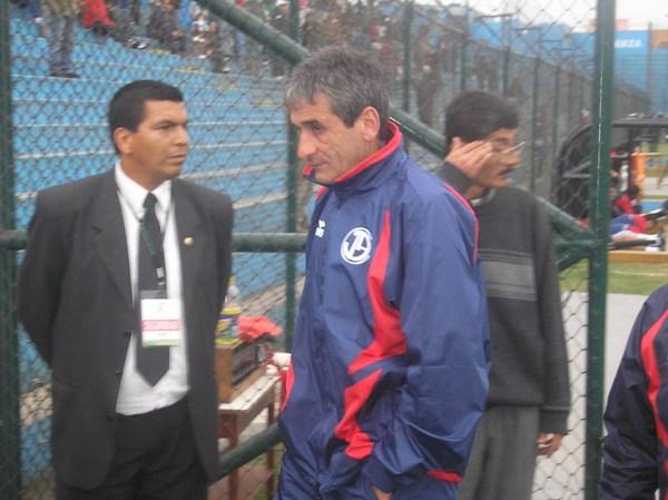 El recordado Julio César Balerio tuvo ocasión de regresar al fútbol peruano para dirigir a Juan Aurich en 2008 (Foto: Abelardo Delgado / DeChalaca.com)