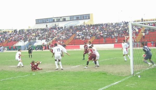 CLAUSURA – FECHA 14. El duelo ante la San Martín desató broncas en todo nivel, incluso en este cotejo jugado en el Callao (Foto: Abelardo Delgado / DeChalaca.com)