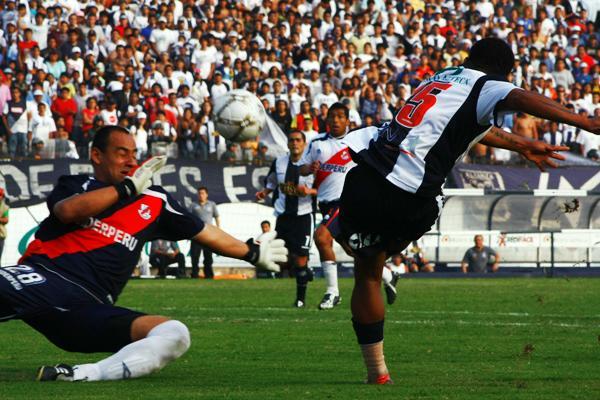 Muro cumplió una buena actuación y sobre el final, incluso, pudo anotar un gol a la salida de un córner (Foto: Andrés Durand / DeChalaca.com)