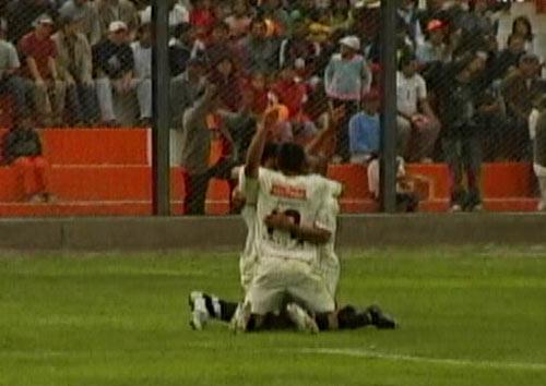 Universitario solo pudo celebrar momentáneamente el gol de 'Malingas'. Señaló el sétimo puesto como objetivo pero cada vez se aleja más (Captura: CMD)