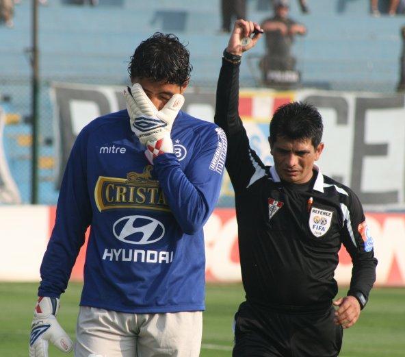 Heredia lamenta el penal que sancionó Pacheco pero finalmente no se traduciría en gol en su arco (Foto: Abelardo Delgado / DeChalaca.com)