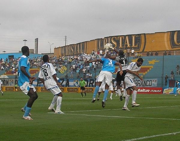 Rivera volvió a ser figura y permitió a los sullaneros conservar el 1-1 (Foto: Abelardo Delgado / DeChalaca.com)