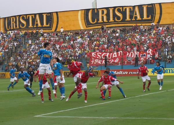 FECHA 4. La tarde del triunfo 0-2 ante Cristal en el San Martín. El Cienciano de Uribe prometía (Foto: Abelardo Delgado / DeChalaca.com)