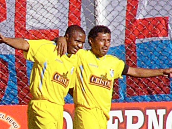 En uno de los mejores partidos que se recuerden de los últimos años, dos goles del 'Chorrillano' Palacios fueron parte del 5-5 entre Cristal y Cienciano (Foto: Diario del Cusco)