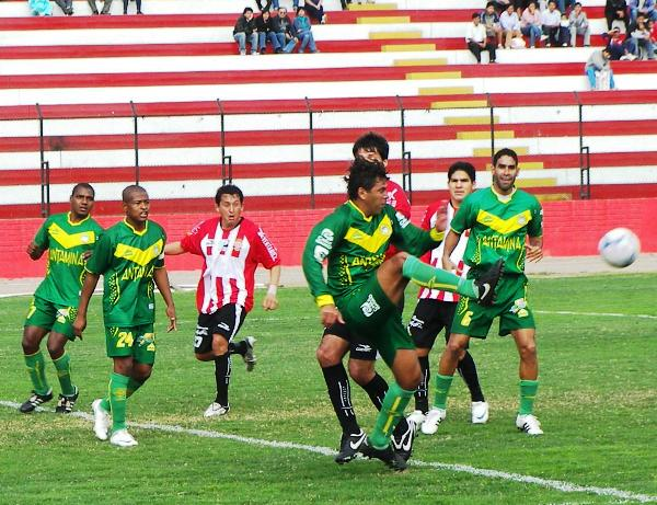 FECHA 29. Triunfo de visita en el Callao, con Bazalar imponiendo respeto ante Total Chalaco (Foto: Abelardo Delgado / DeChalaca.com)