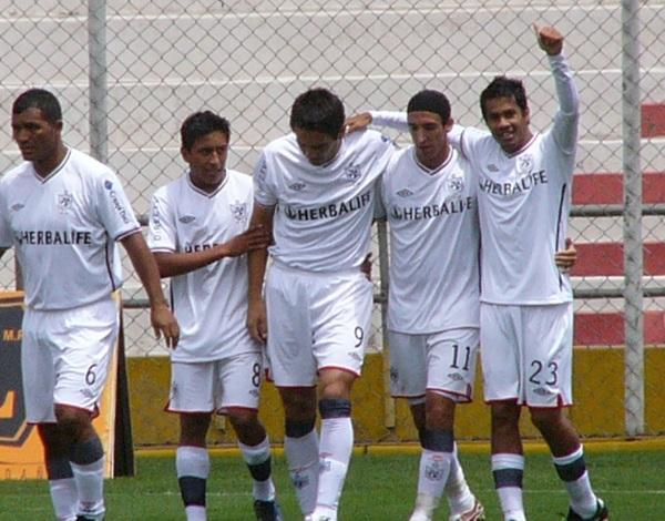 FECHA 02. En Cusco empezaron a distinguirse por ser un equipo sólido y que jugaba en conjunto, consiguieron su segunda victoria en dos partidos, ahora por 1-3. (Foto: Diario del Cusco )