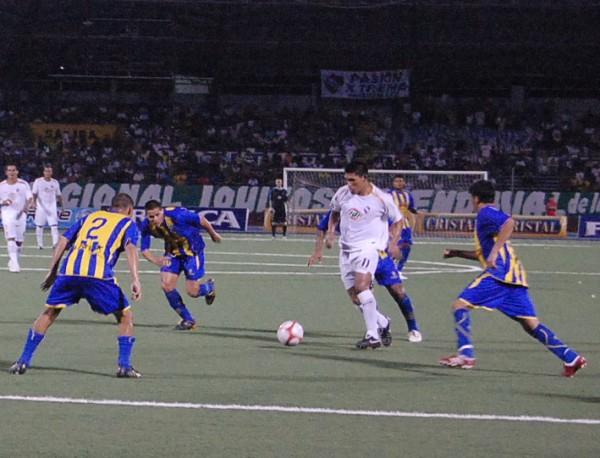 FECHA 08. Después de 6 partidos sin ganar, CNI volvería a saborear un triunfo. Fue un 3-0 ante Alianza Atlético. (Foto: Fernando Herrera)