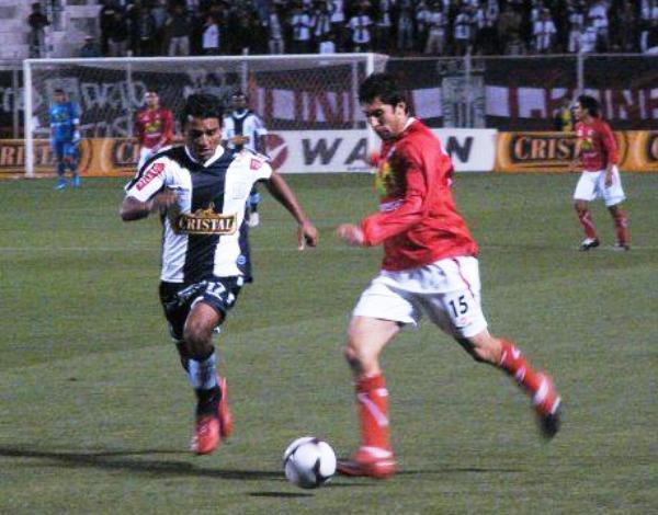 FECHA 13. En el debut como jugador/técnico de Sergio Ibarra, Cienciano lograría una impensada victoria ante Alianza por 2-1.  Montes y Salas marcarían en aquel partido. (Foto: Diario del Cusco)