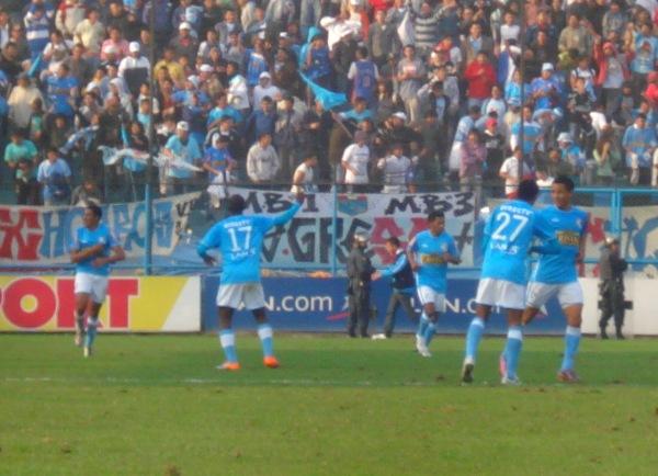 El festejo de Anderson Cueto luego de su gol a Alianza Lima en 2010 con camiseta de Sporting Cristal. (Foto: Abelardo Delgado / DeChalaca.com)