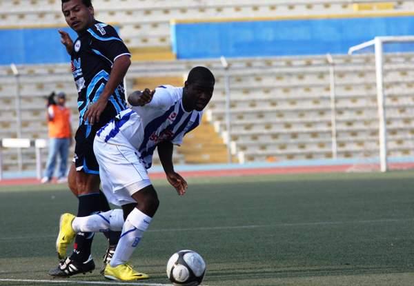 Talaviña tuvo participación en la parte final de 2010 con Alianza Atlético. (Foto: diario La Hora de Piura)