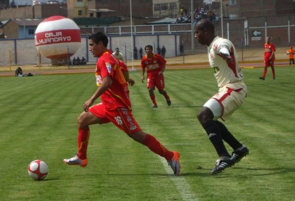 FECHA 31. En un discreto encuentro, León igualaría 1-1 ante Sport Huancayo en el inicio de la etapa de series. (Foto: Diario Primicia de Huancayo)