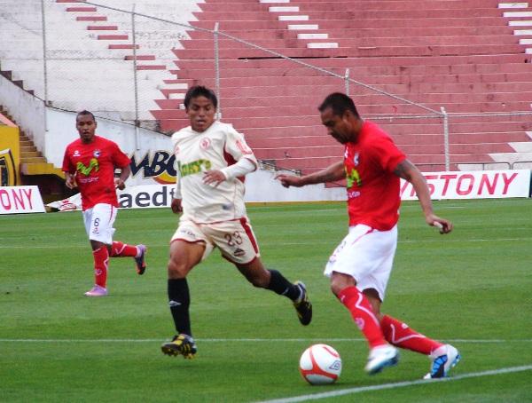 FECHA 33. León le asestaría a Cienciano su tercera derrota consecutiva.  Peña y Rodas fueron los verdugos del conjunto de Sergio Ibarra. (Foto: Diario del Cusco)