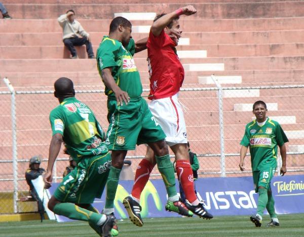 FECHA 35. En el debut de Roberto Mosquera como técnico, Sport Huancayo lograría un buen triunfo ante Cienciano en el Cusco por 0-3. (Foto: Diario del Cusco)