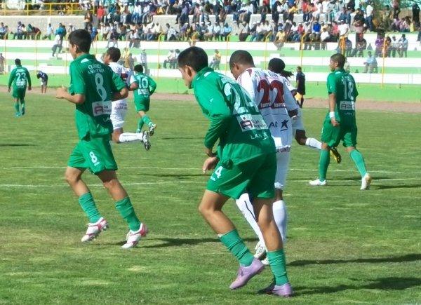 FECHA 38. En Ayacucho, CNI sufriría su peor goleada en l torneo. En aquella desastrosa jornada, Inti Gas le ganaría por 5-0. (Foto: Ciro Madueño)