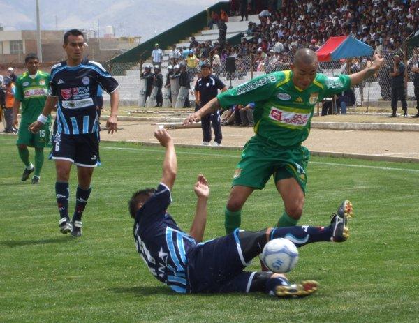 FECHA 39. Vallejo sufrió otra caída ante Sport Huancayo de visita. El partido marcaba el debut de Benjamín Navarro, flamante campeón del torneo de reserva con el cuadro trujillano. (Foto: Diario Primicia de Huancayo)