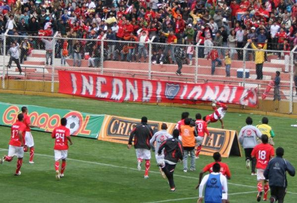 FECHA 44. Tras pasar una temporada deplorable, Cienciano lograría salvar la categoría luego de imponerse ajustadamente por 2-1 ante Alianza Atlético. (Foto: Diario del Cusco / Hebert Mendivil)