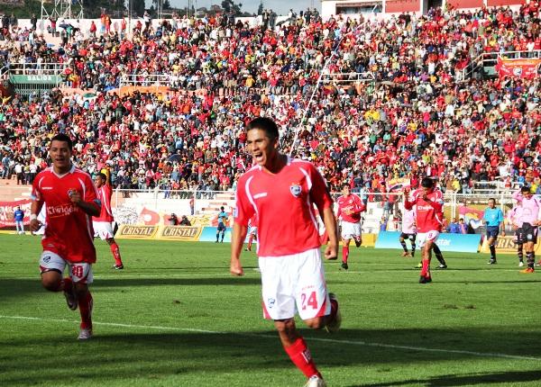 FECHA 03. Con una formidable actuación de Diego Bustamante,  Cienciano goleó 3-0 alSport Boys en Cusco. (Foto: Diario del Cusco)