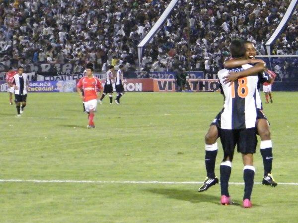 FECHA 04. Fue la primera caída de Cienciano. Alianza Lima hizo respetar su casa y derrotó al elenco imperial por 1-0. (Foto: Wagner Quiroz / DeChalaca.com)