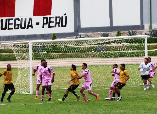 FECHA 05. Cobresol y Boys se volvieron a ver las caras, luego de definir el torneo de Segunda en el Callao en 2009. Cobresol seguía sin ganar d local, fue un 2-2. (Foto: Roice Zeballos)