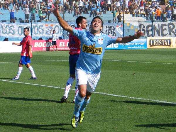 FECHA 05. Miguel Ximénez anotaba su primer gol en el torneo y Cristal ganaba 2-1 a Unión Comercio. (Foto: Wagner Quiroz / DeChalaca.com)