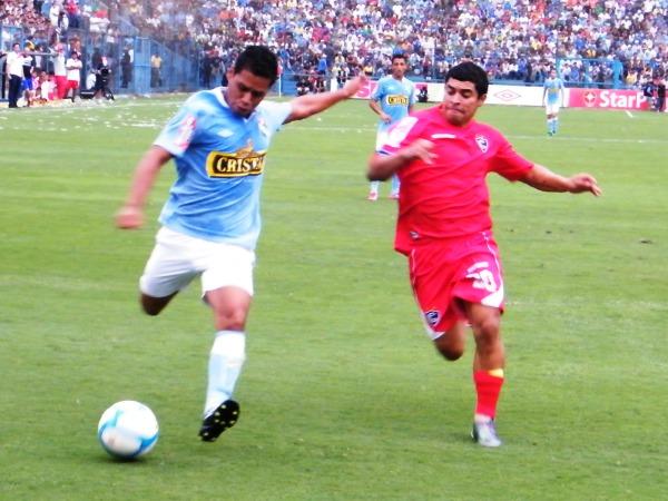 FECHA 06. Cienciano visitó a Sporting Cristal y cayó por la mínima diferencia. Igual el elenco 'imperial' estaba en un excelente momento. (Foto: Wagner Quiroz / DeChalaca.com)