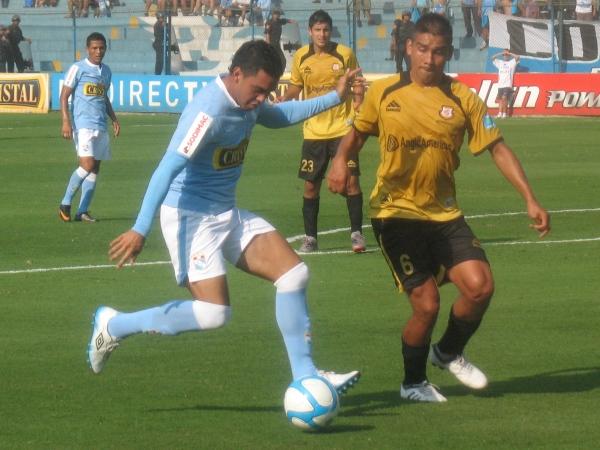 MUY FRÍO. Chávarri no marcó la diferencia con su ingreso y mermó las posibilidades de su equipo en ataque. (Foto: José Salcedo / DeChalaca.com)