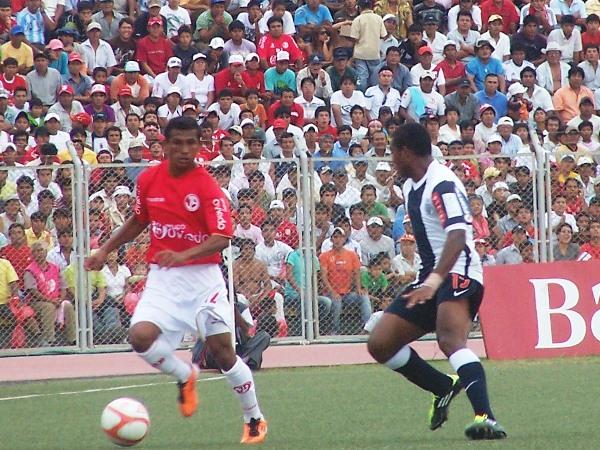 FECHA 09. En el partido más complicado jugando en condición de local, Juan Aurich superó a Alianza Lima para alegría de su público. (Foto: diario La Industria de Chiclayo)