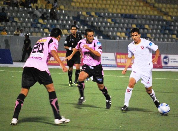 FECHA 09. No daba pie con bola. CNI empató nuevamente a cero, esta vez con Boys. (Foto: Fernando Herrera / DeChalaca.com)