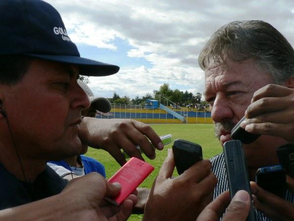 ¿EL ROSTRO DE LA VICTORIA? Edgard Ospina se mostró muy serio en sus declaraciones al término del cotejo. (Foto: Ciro Madueño)