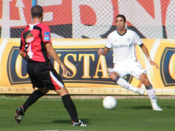 NO HAY SORPRESA. Alemanno cumplió un flojo partido ante Melgar. El delantero argentino no trascendió durante los minutos que estuvo en la cancha. (Foto: José Sancedo / DeChalaca.com)