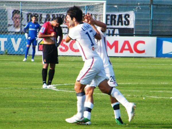 QUIERE ESTAR CHINO DE RISA. Labarthe se hizo presente en el marcador y le permitió a los santos igualar el marcador ante Melgar. El gol del 'Chino' fue el 1-1 parcial. (Foto: José Sancedo / DeChalaca.com)