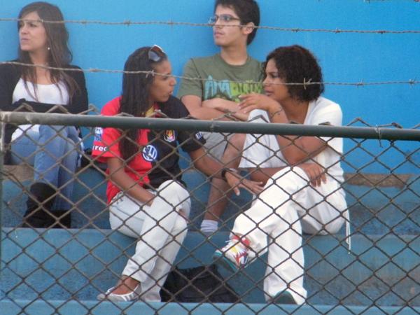 LA CHICA. Un hincha de Melgar se hizo presente en el estadio San Martín, en el cotejo en que su elenco sacó un empate ante los albos.(Foto: José Salcedo / Dechalaca.com)