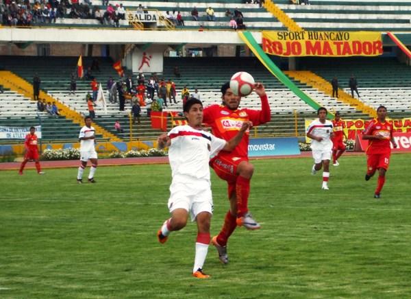 FECHA 11.  Melgar tendría una de sus peores presentaciones fuera de casa cuando cayó por 4-1 ante Sport Huancayo. (Foto: Diario Primicia de Huancayo)