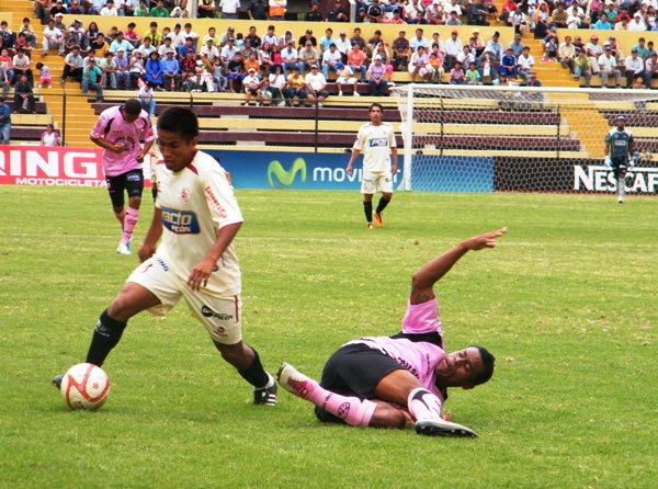 FECHA 11. Sufriendo en casa León de Huánuco logró llevarse un triunfo por 1-0 sobre Sport Boys. (Foto: Jesús Suárez / DeChalaca.com)